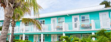 cayman brac second floor rooms 1060x403 min